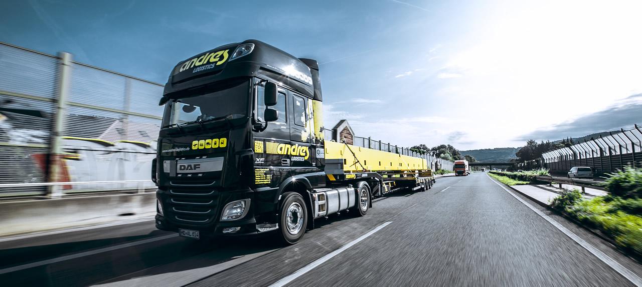 logistics_hanau_trucks